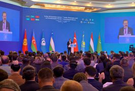 M.Rıfat Hisarcıklıoğlu, Türk İş ve Yatırım Forumu'na katıldı
